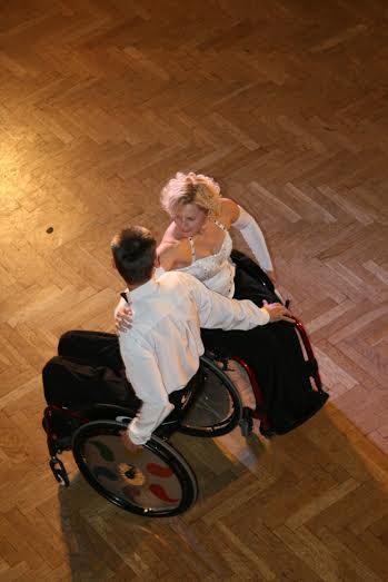 kerekesszékes tánccucc
